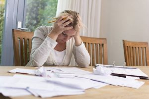 do women file for bankruptcy more than men